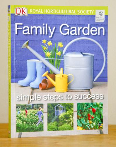 RHS Family Garden DK Front Cover