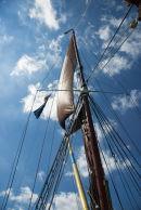 Barge mast