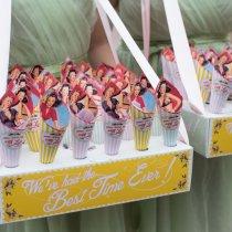 THAT'S AMORE Confetti Cones & Usherette Tray 028