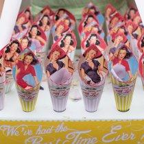 THAT'S AMORE Confetti Cones & Usherette Tray 029