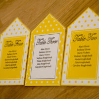 DAISY TABLE SEATING TAGS